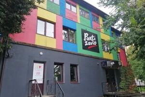 Сдается в аренду кафе, бар, ресторан 400 кв. м в 3-этажном здании