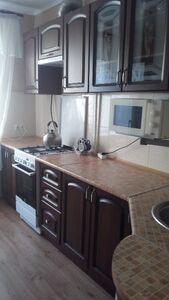 Сдается в аренду 3-комнатная квартира 70 кв. м в Мариуполе