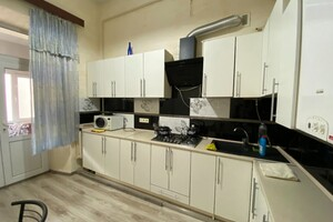 Продается 2-комнатная квартира 305 кв. м в Одессе
