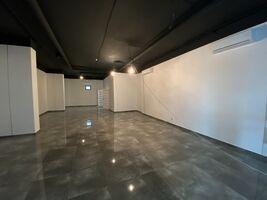 Сдается в аренду помещения свободного назначения 100 кв. м в 4-этажном здании