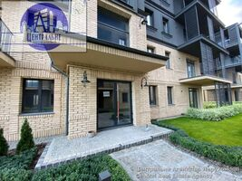 Продается 3-комнатная квартира 125.5 кв. м в Черновцах