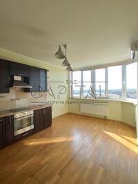 Продается 3-комнатная квартира 100 кв. м в Киеве