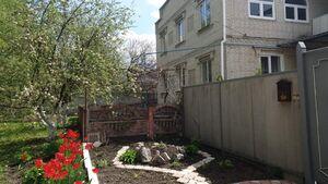 Продается дом на 2 этажа 240 кв. м с садом