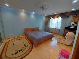 Продается 3-комнатная квартира 115 кв. м в Тернополе