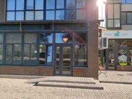 Сдается в аренду объект сферы услуг 38.2 кв. м в 10-этажном здании