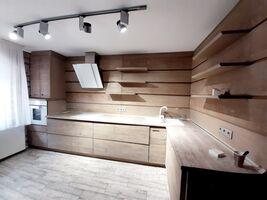Продається 4-кімнатна квартира 150 кв. м у Тернополі