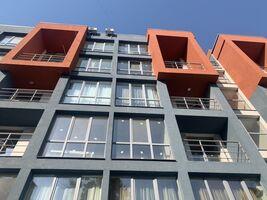 Продается 2-комнатная квартира 98 кв. м в Черновцах