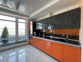 Продается 3-комнатная квартира 105 кв. м в Львове