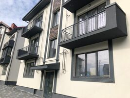 Продается 3-комнатная квартира 88 кв. м в Ровно