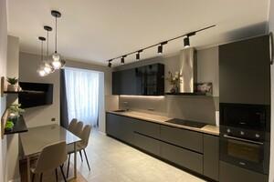 Продается 2-комнатная квартира 90 кв. м в Житомире