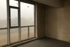 Продается 2-комнатная квартира 70.6 кв. м в Ровно