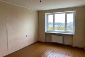 Продается 2-комнатная квартира 83 кв. м в Ровно