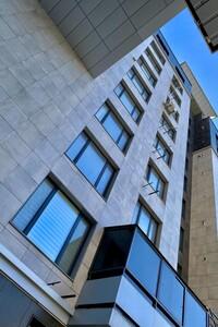 Продається 3-кімнатна квартира 85 кв. м у Херсоні