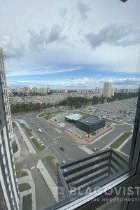 Продается 3-комнатная квартира 92.7 кв. м в Киеве