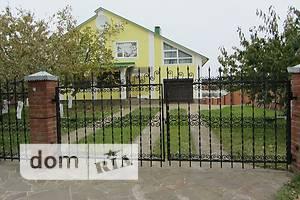 Продается дом на 2 этажа 265 кв. м с бассейном
