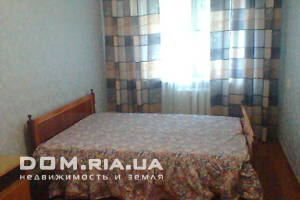 Сниму трехкомнатную квартиру посуточно в Житомирской области