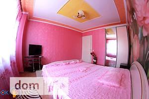 Сниму трехкомнатную квартиру посуточно в Кировоградской области