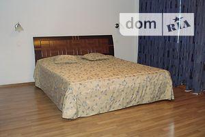 Сниму треккомнатную квартиру в Запорожской области долгосрочно