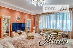 Продается дом на 2 этажа 200 кв. м с участком