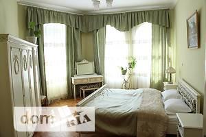 Сниму трехкомнатную квартиру посуточно в Львовской области