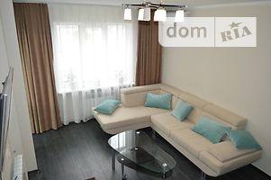 Продається 4-кімнатна квартира 123.5 кв. м у Херсоні