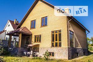 Продается дом на 2 этажа 235 кв. м с камином