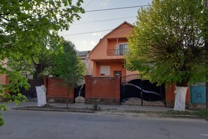 Продается дом на 2 этажа 264.4 кв. м с террасой