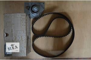 Новий комплект ГРМ, ремінь + ролик Renault Trafic 1.9DCI груз. 7701477048