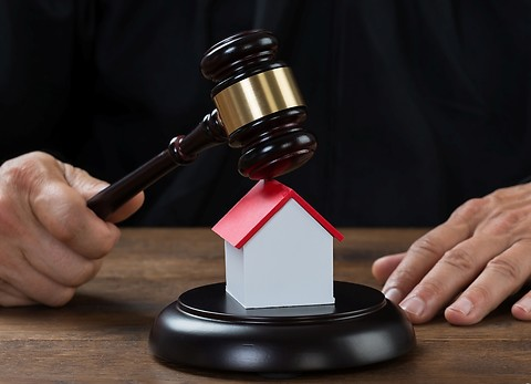 Особенности покупки квартиры «с молотка»