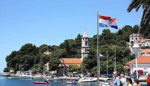 Хорватия обещает выдавать визы украинским туристам в течение 5 дней