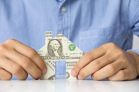 Сегодня гривны необходимо переводить в твердые валюты и недвижимость, - эксперты