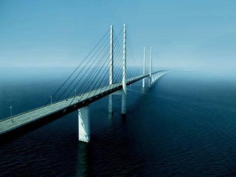 Медведев подписал распоряжение о строительстве моста через Керченский пролив