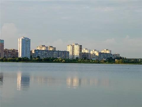 Озеро Вырлица частично засыпали песком ради строительства