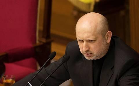 Турчинов введет мораторий на отчуждение недвижимости у тех, кто не может платить валютные кредиты