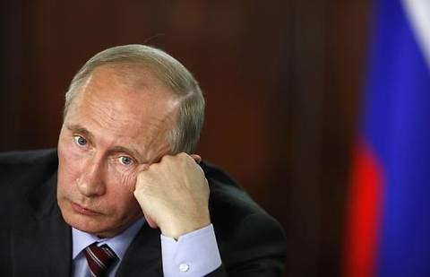 Путин распорядился помочь беженцам из Юго-Востока Украины в получении российского гражданства