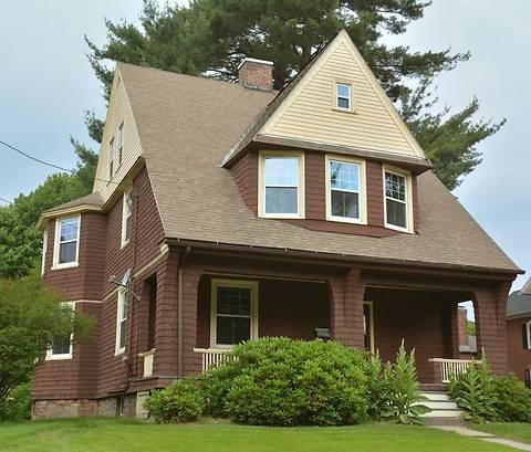 В США продается особняк 1860 года постройки всего за $1