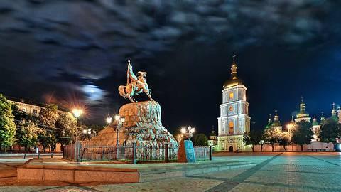 Эксперты рассказали, какое количество туристов посетит Киев в 2014 году