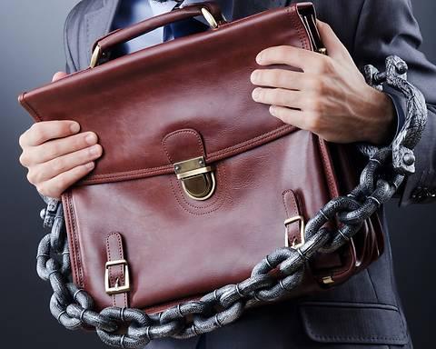 Против трех сотрудников Госреестра возбуждены уголовные дела