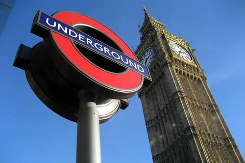В Лондоне заброшенные станции метро превратят в отели и магазины