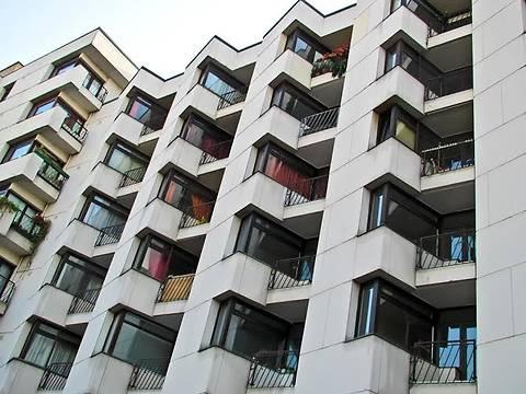 Курс доллара может остановить возобновившийся рост рынка недвижимости
