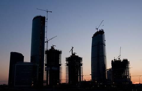 В Киеве приостановили строительство четырех новостроек