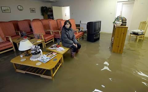 как продать квартиру после потопа