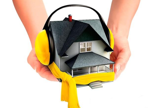 Как утеплить потолок в загородном доме