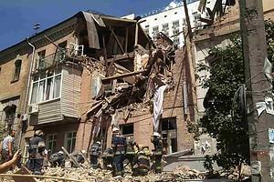 На Голосіївському проспекті у Києві вибухнув будинок: основні наслідки
