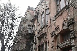 В Киеве 106 аварийных домов