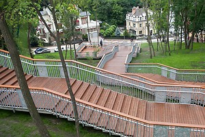 В Киеве открыли лестницу на Подол и туристический маршрут (видео)