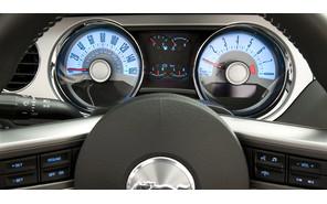 Ford увеличит приборы для пожилых автолюбителей