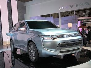 Токийский автосалон 2011: Mitsubishi намекнула на будущий Outlander