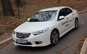 Тест-драйв Honda Accord Type S 2011: Породистый жеребец