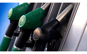 Украинские АЗС снова повысили цены на бензин